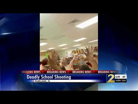 People take to social media to  police response during high school shooting