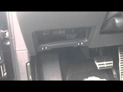 How to access the fuse box on a 2011-2013 Volkswagen Jetta