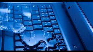 Смотреть видео что первым делать если в ноутбук попала вода
