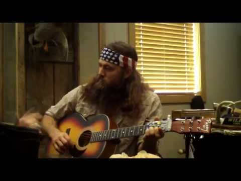 Duck Dynasy Willie Robertson plays guitar with The ChordBuddy