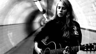 Смотреть клип Marika Hackman - Plans