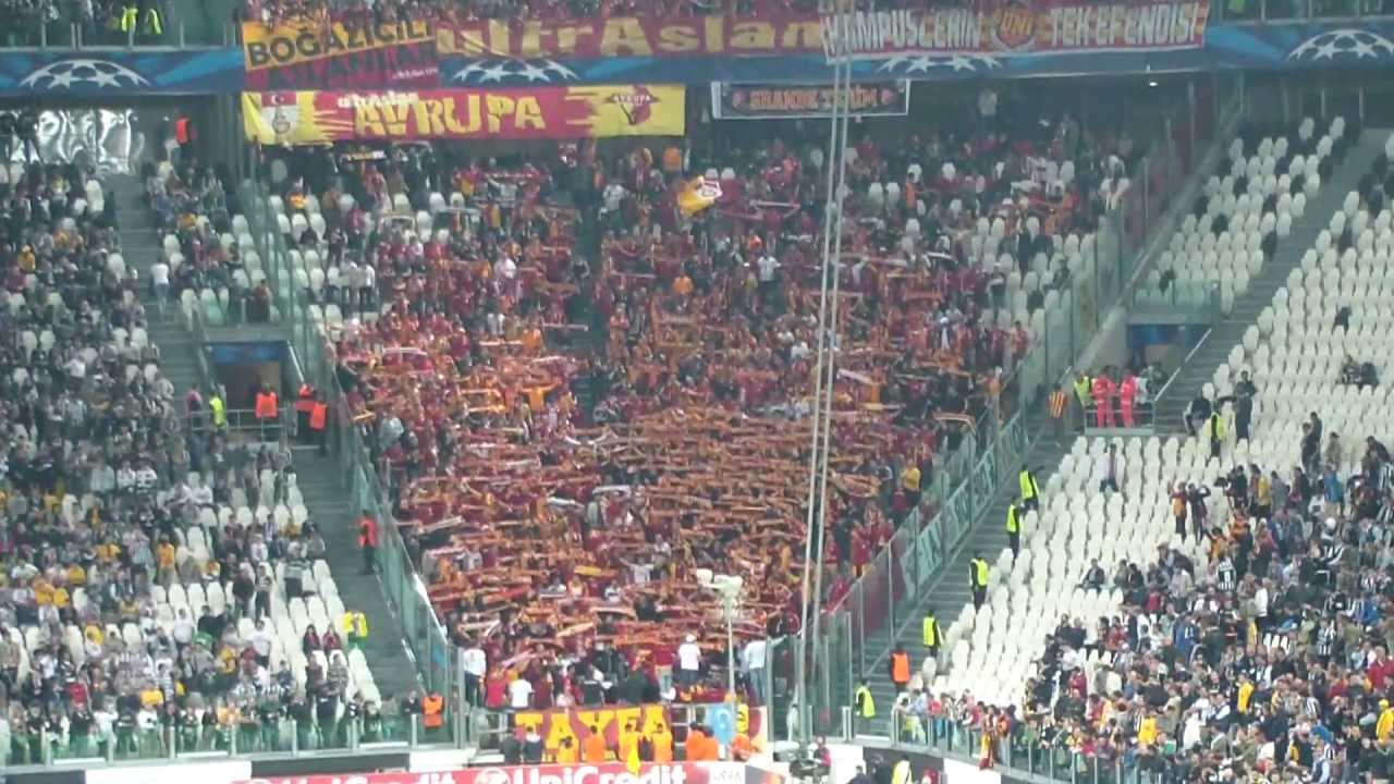 Juventus Vs Galatasaray Supporters Ultras Gala Youtube