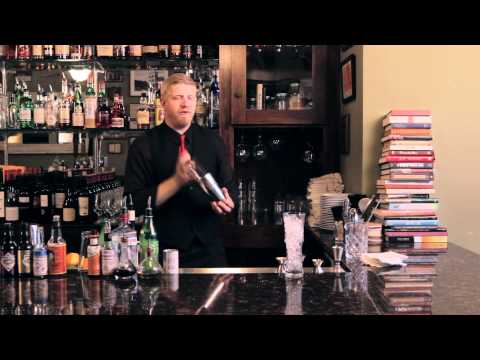 How to make a Singapore Sling - DrinkSkool Cocktails