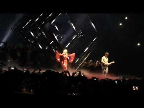 Martin Garrix & Bebe Rexha - In The Name Of Love @ MTV EMA 2016