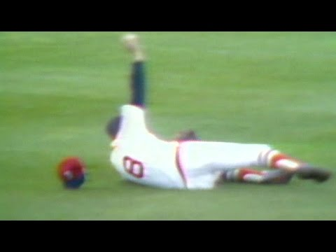 1975 WS Gm1: Yastrzemski robs Concepcion of hit