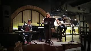 Englishman In New York - Sting ( Live Cover Sylvi & The Guys)