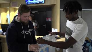 """VIDEO: Les abonnés """"Pack Supporter 100% HAC"""" recoivent leurs maillots"""
