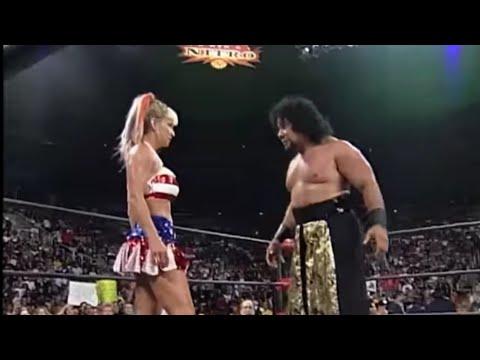 Meng vs Madusa    |  Nitro  10/25/99