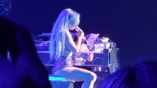 "Lady Gaga reads stunning, heartfelt note from audience member ""Alejandro"""