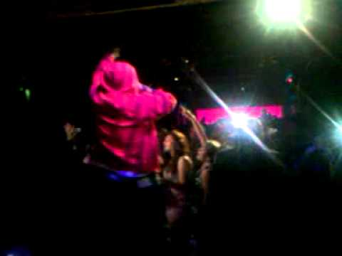 MARQUES HOUSTON LIVE @ EMBER 9-25-2010 PERFORMING LIVE-PULLING ON HER HAIR