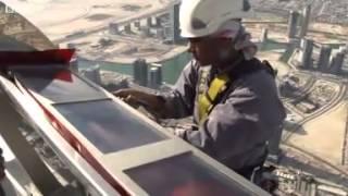 Burj Khalifa, Dubai  Maintaining the world  tallest building