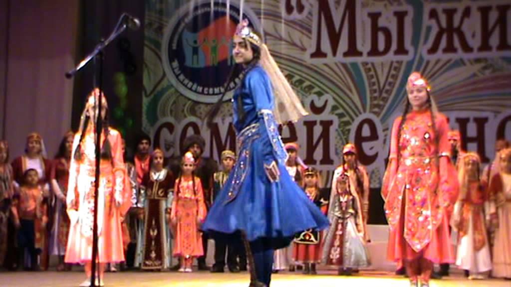 украинские национальные костюмы в показе PlayFashion Junior - YouTube