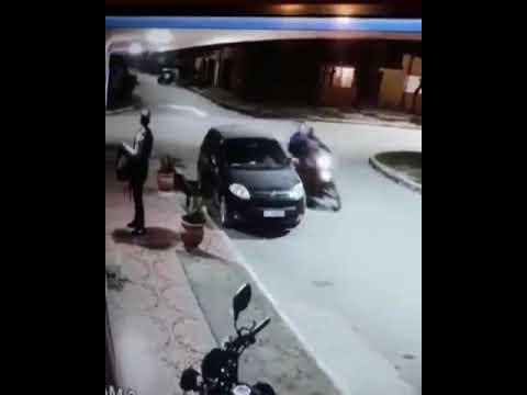 Asaltante Lo Amaga Con Pistola, ¡y Resultó Ser Su Amigo!