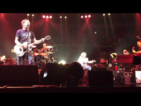 10-yr-old Guitar Player takes the stage w...