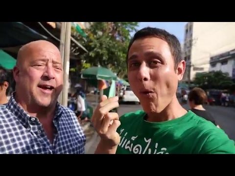 Eating Thai Food with Andrew Zimmern in Bangkok!