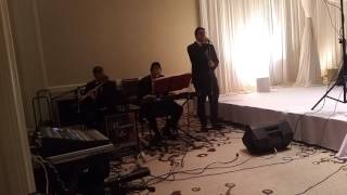 Uri Davidi singing a Chupah in Chicago with Mesamechai Leiv Orchestras