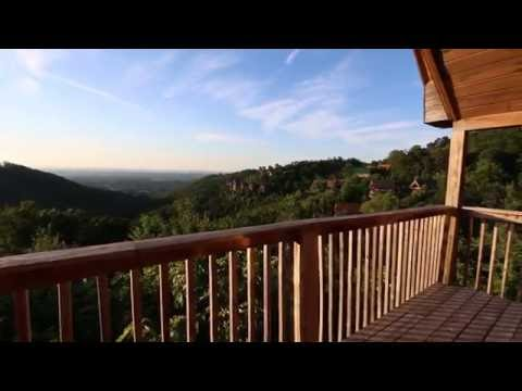 At the Top - Luxury Cabin in Pigeon Forge, Tennessee
