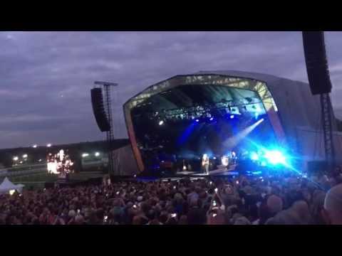 Bryan Adams at Sandown Park Racecourse Singing Heaven Aug 16