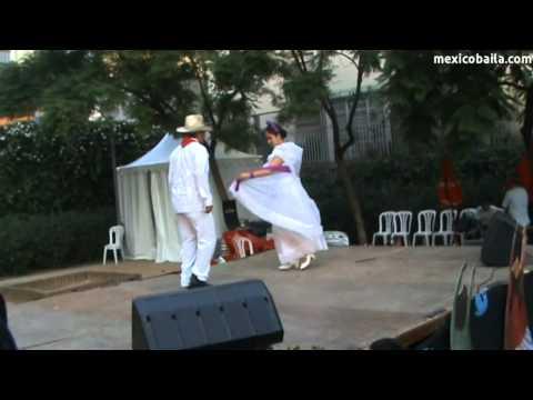 "El Colás - ""México Baila"" a la Festa Major de Gràcia 2011"