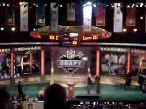 Brady Quinn drafted