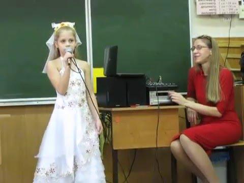 """""""Снеженика"""", сл. М.Пляцковского, муз. Я.Дубравина. Исполняет Фильченко Таисия, 8 лет (экспромт)."""