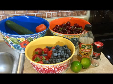 How to Clean Dirt and Pesticides from Your Fruits and Veggies With Simple Kitchen Ingredients