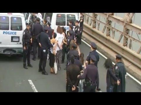Nonviolent Wall St. Protestors Face Mass Arrest