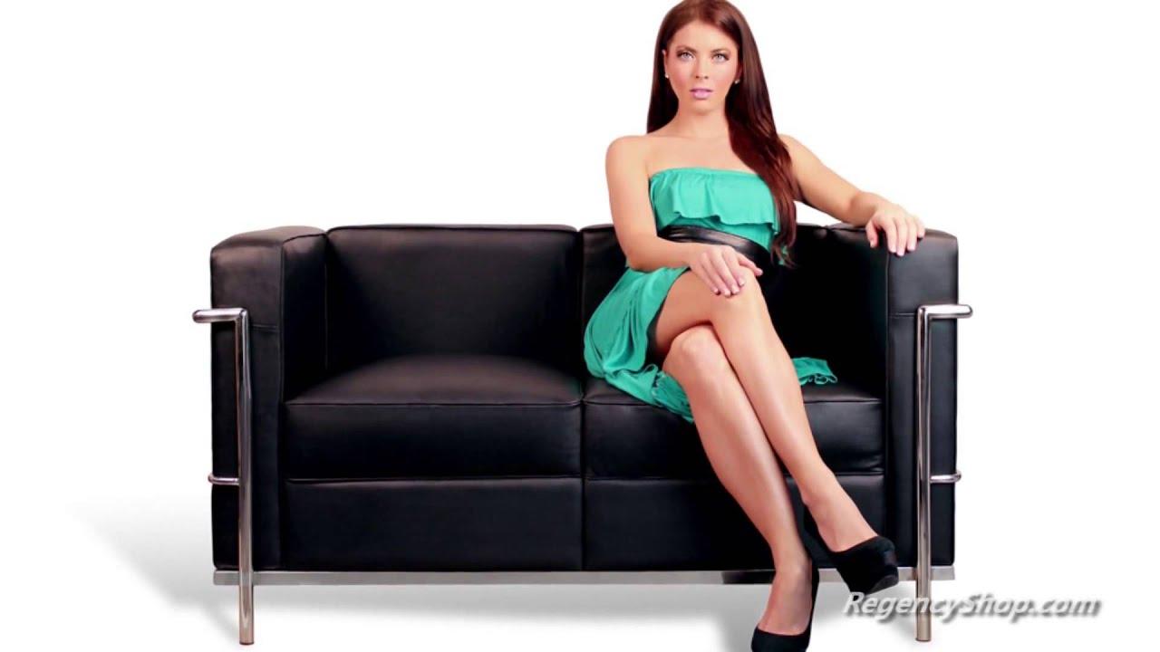 Le corbusier lc2 sofa youtube - Canape lc2 le corbusier ...