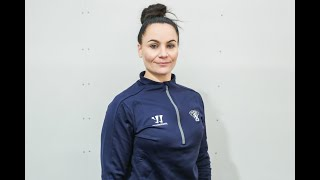 Fysioterapeutti Emma Palmroth, mitä fysioterapeutti tekee ennen peliä, pelin aikana ja jälkeen?