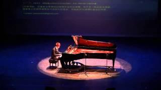 Flower Dance Piano Solo, 2013 Triangle Talent Competition。2013年北卡三校才艺大赛最佳才艺奖