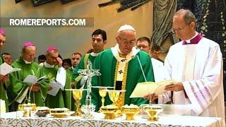 Đức Giáo Hoàng ở Azerbaijan: Thánh Lễ cho 500 người Công giáo và thông điệp đến những tay khủng bố