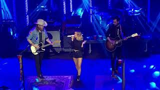 "Maren Morris & Brothers Osborne - ""All My Favorite People"""