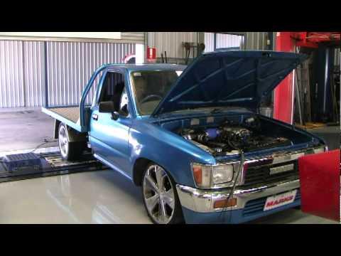 Turbo V8 Hilux - YouTube