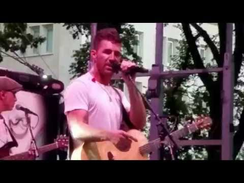 Jake Owen - American Country Love Song (live)