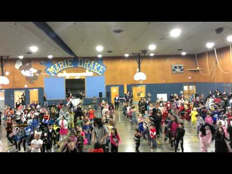 Harbor View Elementary does Thriller