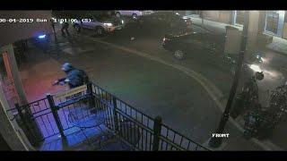 فيديو: لحظة مقتل منفذ هجوم أوهايو عند مدخل المبنى حيث طارد عشرات المدنيين …
