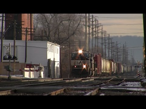 Trains on the Norfolk Southern Harrisburg Line December 2013