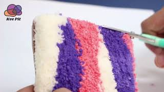 터프팅 마감 작업 : 셔링 가위로 표면 다듬기