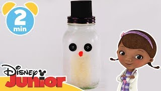 Christmas Craft Tutorial | Doc McStuffins: Chilly Mason Jar Lantern ⛄️ | Disney Junior UK