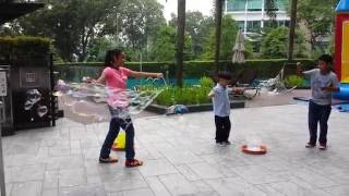 cj the bubble girl s mini dragon net tri sting wands 2