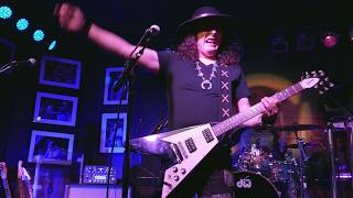 Gambar cover Anthony Gomes 2018 12 13 Boca Raton, Florida - The Funky Biscuit - Complete Show