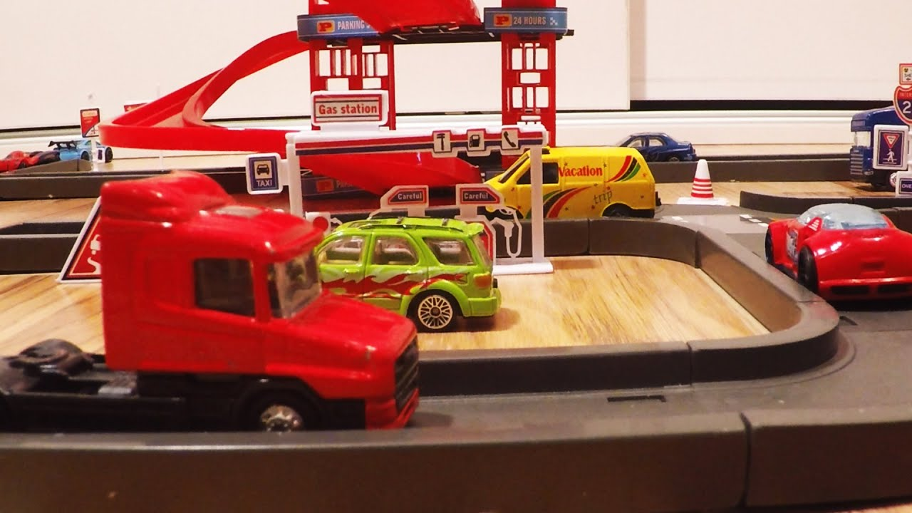 Parking garage toy set car toys video for kids youtube for Bureau cars toys r us