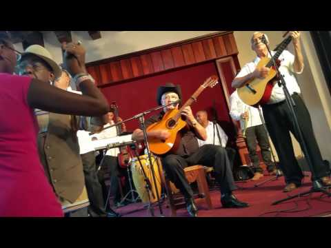 'Estoy Como Nunca' | Eliades Ochoa live | Casa de la Trova