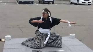 飯盛山の麓にあるお店「とらぞう」の従業員さんによる剣舞。