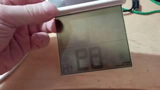 градусник на солнечной батарее