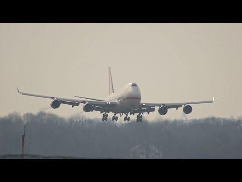 Yangtze River Express Boeing 747-481 B-2437 arrival at Munich Airport Landung Flughafen München