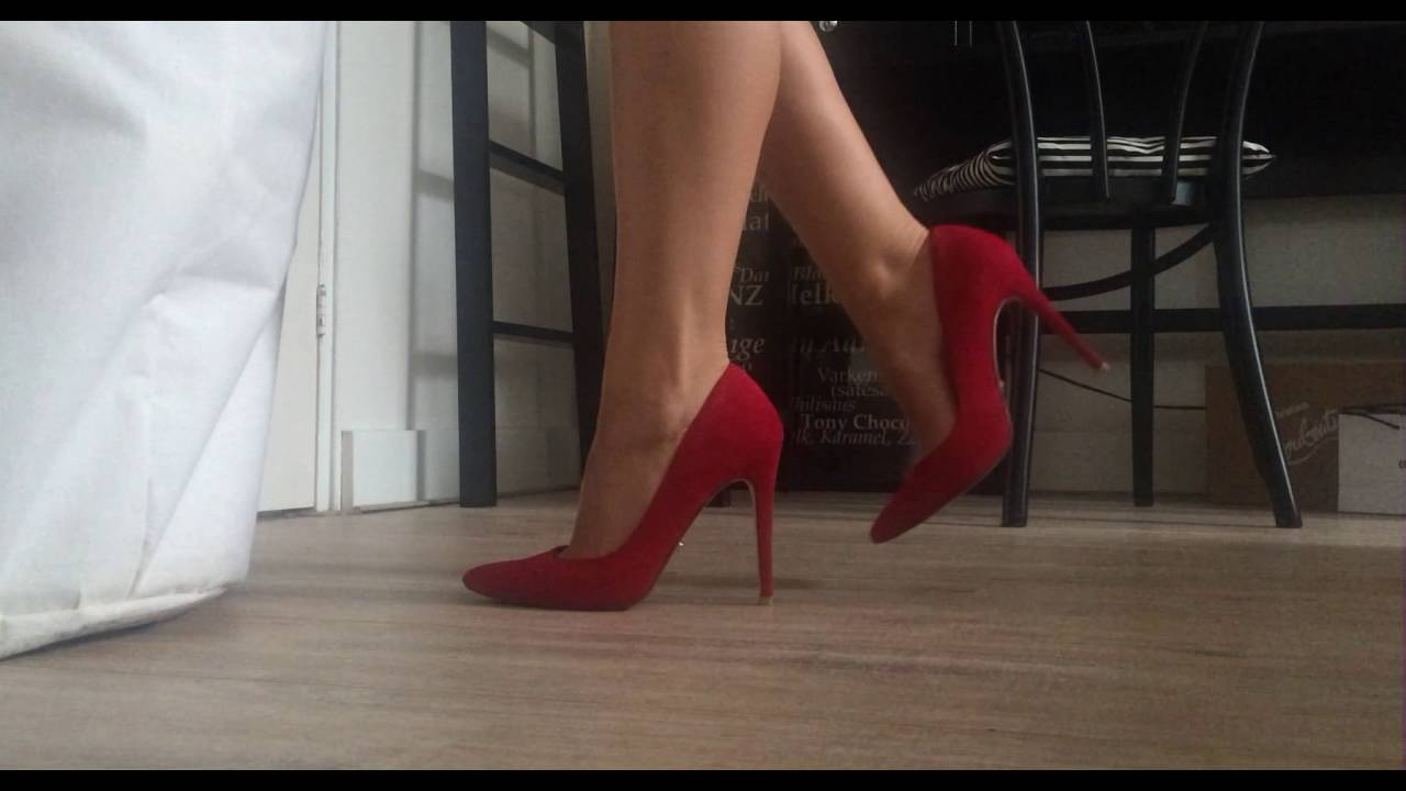 Modeling DUNE London Red Pointed Toe High Heels - YouTube