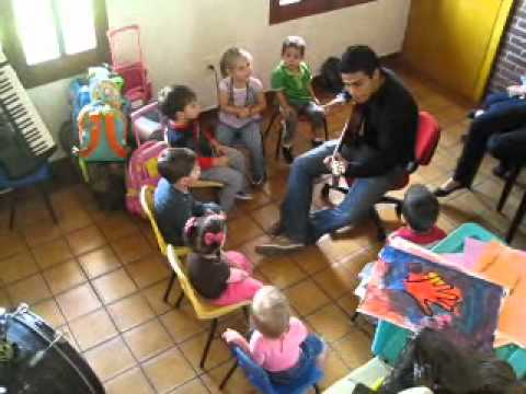 Clase musica ni os de youtube for Actividades para jardin maternal sala de 2