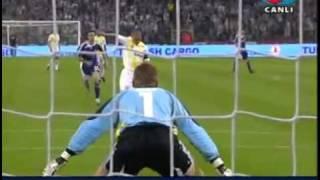 Alex penaltı gibi gol atıyor Anderlecht maçı.