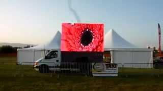 LED screen example in direct sunlight    mobilan LED ekran PP10 HD    Mars media